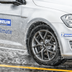 michelin crossclimate en action sur une peugeot 308