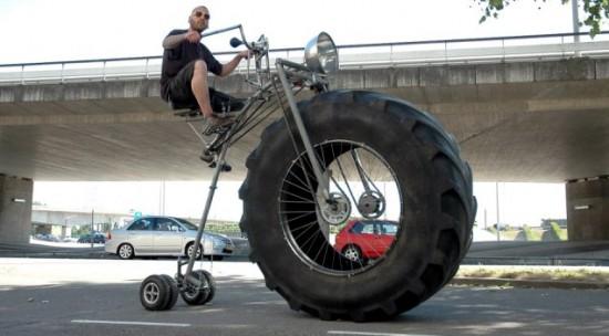 velo pneus surdimensionnés