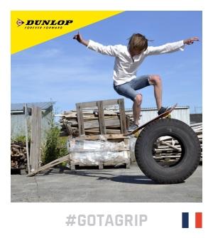 concours dunlop gotagrip équilibre en skate sur un pneu